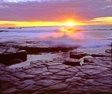 USA, California, San Diego, Sunset Cliffs tide pools on the Pacific Ocean at Sunset. Credit as: Christopher Talbot Frank / Jaynes Gallery / DanitaDeli...