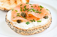 Sandwich with smoked salmon, soft cheese, chive and capers