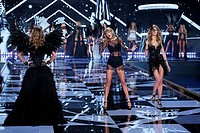 Victoria's Secret Fashion Show 2014 London held at Earl's Court - Catwalk Featuring: Doutzen Kroes, Taylor Swift, Constance Jablonski Where: London, U...