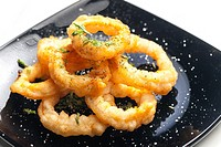 fried cuttlefish rings in batter.