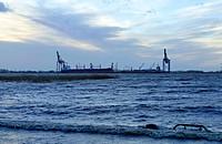 port of Sandstedt at storm tide, port of Brake in background, Germany, Lower Saxony, Cuxhaven, Sandstedt