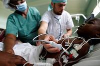 Brazzaville Hospital, NGO la Chaine de l'Espoir, Intensive care.