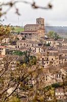 Iglesia de San Salvador en Sepúlveda. Conjunto histórico. Segovia. Castilla León. España.