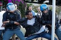 15.06.2015, Ventimiglia, ITA, Flüchtlinge in Italien, im Bild Hunderte Fluechtinge harrten tagelang an der italienisch-franzoesischen Grenze aus. Die ...