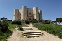 Castel del Monte, octagonal castle, built for Emperor Frederick II in the 1240s, UNESCO World Heritage Site, Apulia, Italy, Europe