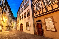 Tanner«s district The houses, mostly date back to the 17th and 18th centuries, were used by tanners who worked and lived there Colmar, Alsace, FranceÊ...