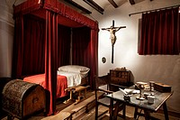 the home of Don Quixote´s great love, Dulcinea. You mustn´t miss the Cervantino Museum, which displays numerous special editions of the novel that mad...