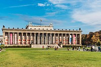 The Old Museum (Altes Museum) was built from 1825 to 1830 by Karl Friedrich Schinkel in the style of classicism. It is part of the Museum Island, reco...