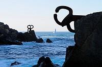 Peines del Viento.Sculpture by Eduardo Chillida.La Concha Bay.San Sebastián.Donostia.Guipúzcoa province.Euskadi.País Vasco.Spain