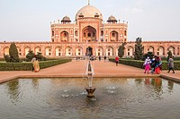 Tourists walking up to Humayun's tomb, located in New Delhi, India.