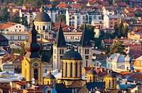 Bosnia-Hercegovina, Sarajevo, view of city center with catholic and Orthodox cathedrals