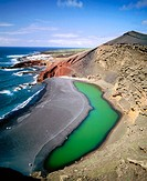 ´El Golfo´ green Lagoon. Volcanic beaches. Parque Nacional de Timanfaya. Lanzarote. Canary Islands. Spain