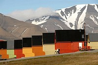 Spitsbergen, Svalbard, Norway. Summer landscape outside Longyearbyen, the capital of these far flung islands 1000 kilometers from the North Pole. Here...