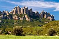 Montserrat Mountain viewed from Sant Cristòfol. Bages. Barcelona Province. Catalonia. Spain / Macizo de la Montaña de Montserrat, visto desde Sant Cri...