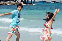 Pattaya (Thailand): Asian tourists at Ta Waen beach, in Koh Larn island