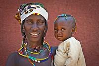 Zemba woman with child in, Opuwo a village near Epupa Falls, Kunene, Namibia, Africa