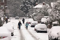 Walking from the local shops with supplies when using a car is not possible during snow December 2010 in the south