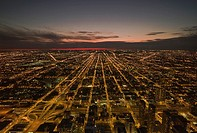 Overview of the city of Chicago at dusk