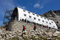 Refuge Vittorio Emanuele II, 2735m, National Park, Natural Park, Gran Paradiso, Val d'Aosta, Italy.