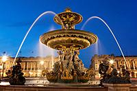 Fontaine des Fleuves, Concorde square, Paris, Ile de France, France.