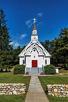 Country church, Cornwall, Connecticut, USA.