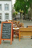 "Maastricht is wellknown for its """"café/terrace culture"""" Restaurant d´Artagnon in the neighbourhood of the Onze Lieve Vrouw Plein in the old city, Maa..."