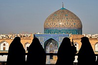 Iran, Isfahan, Imam Square, Sheikh Lotfollah mosque, world heritage of the UNESCO.