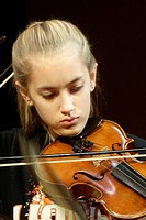 8th Grade Girl Playing Violin, Wellsville, New York, USA.
