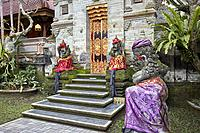Carved stone statues in Puri Saren Agung, also known as Ubud Palace. Ubud, Bali, Indonesia.