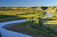 Little Missouri River Valley in late summer, Theodore Roosevelt NP (South Unit), North Dakota, USA.