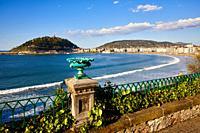 La Concha beach and bay, Donostia, San Sebastian, Gipuzkoa, Basque Country, Spain, Europe