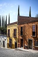 San Miguel de Allende, Street with beautiful old houses in a colonial-era city, Bajío region, Central Mexico.