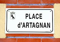 plaque de la place d'artagnan, lupiac, gers, occitanie.