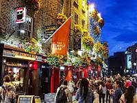 Downtown night life, Temple bar, Dublin, Ireland, Europe.