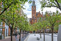 Oozells Square, in background Ikon gallery, Birmingham, England.
