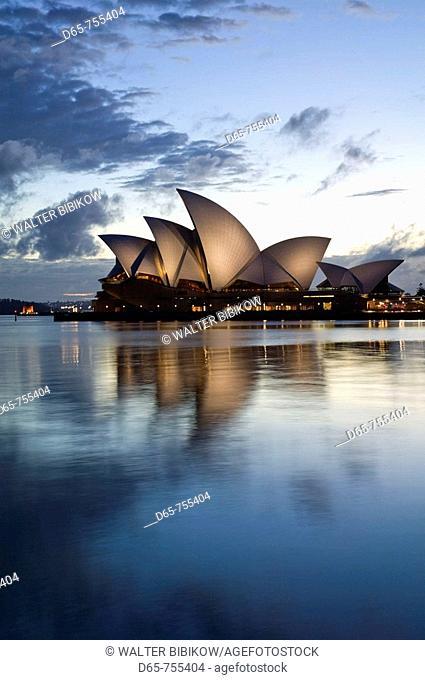 Australia - New South Wales (NSW) - Sydney: Sydney Opera House at dawn
