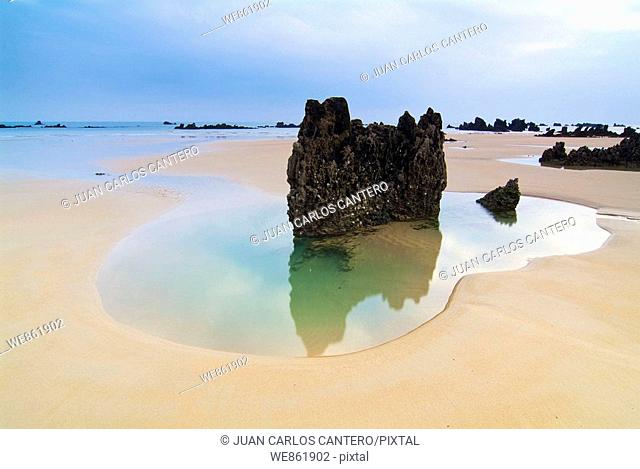 Trengandin beach, Noja, Cantabria, Spain
