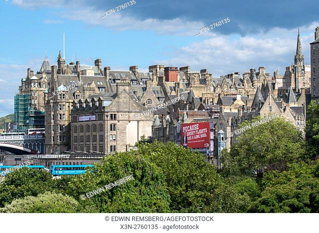UK, Scotland, Edinburgh - Edinburgh, Scotland's compact, hilly capital. It has a medieval Old Town and elegant Georgian New Town with gardens and neoclassical...