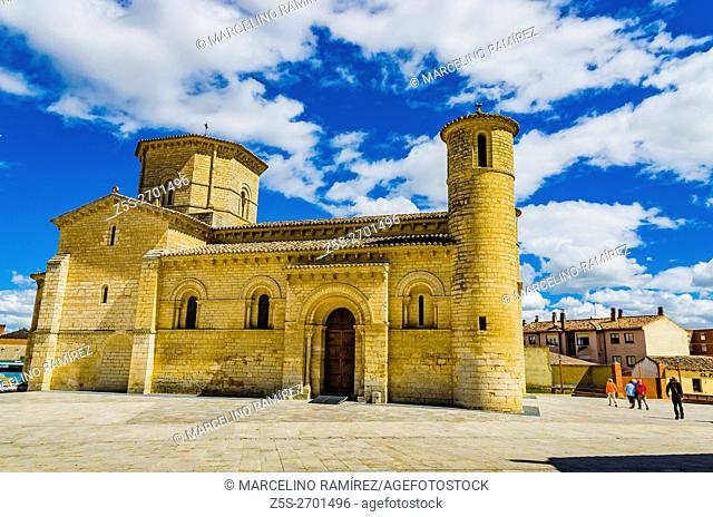 Church of San Martín de Tours, built in the 11th century in Romanesque style, It is located on the Way of St. James to Santiago de Compostella
