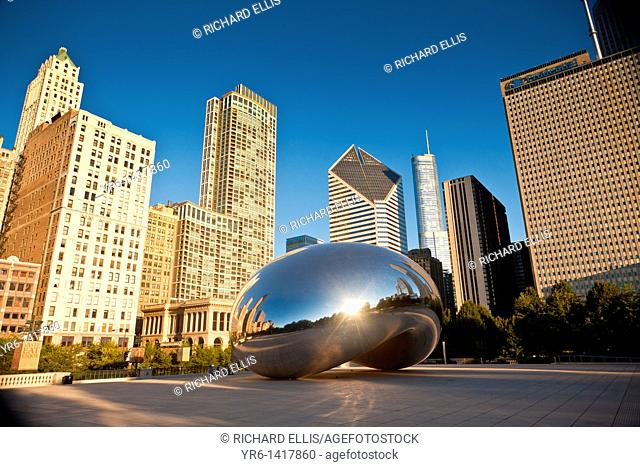 Cloud Gate also knows as the Chicago Bean in Millennium Park in Chicago, IL, USA  The work is the creation of artist Anish Kapoor