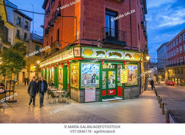 El Madroño restaurant at Nuncio street corner to Segovia street, night view. Madrid, Spain
