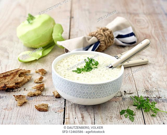 Cream of kohlrabi soup with chervil
