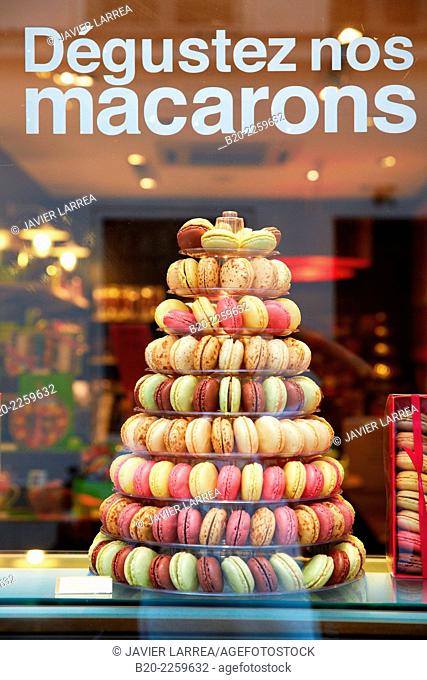 Macarons. Cakes shop. Île Saint Louis Island. Paris. France