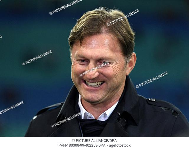08 March 2018, Germany, Leipzig: Europa League, RB Leipzig vs Zenit St. Petersburg, Red Bull Arena: Leipzig's coach Ralph Hasenhuettl smiling before the begin...