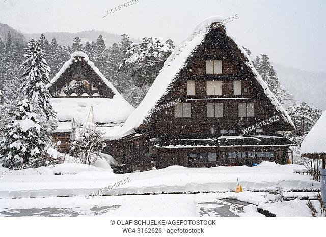 28. 12. 2017, Shirakawa-go, Gifu Prefecture, Japan, Asia - Traditional gassho-zukuri farmhouses in the village of Shirakawa-go