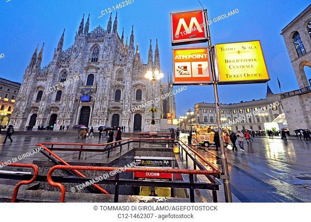 Piazza del Duomo, Milan, Lombardy, Italy