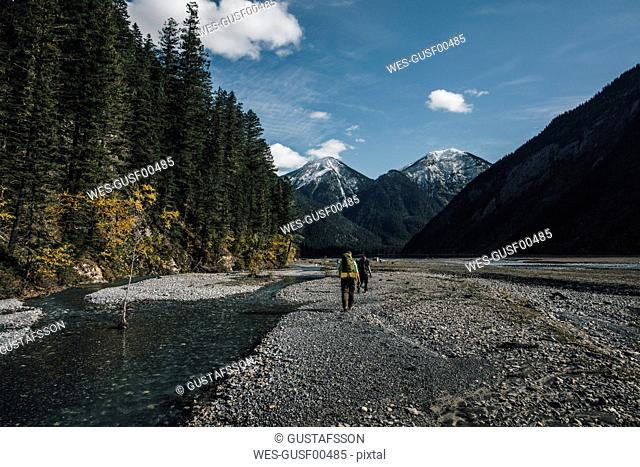 Canada, British Columbia, Mount Robson Provincial Park, two men hiking on Berg Lake Trail