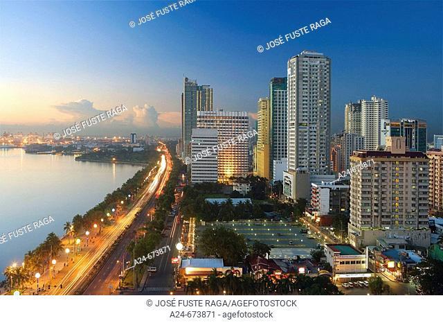 Nov. 2007. Philippines. Manila City. Roxas Boulevard