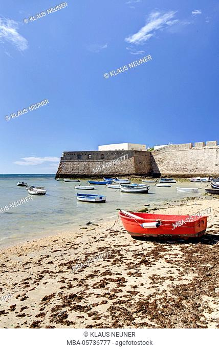 Beach, boats, view on Castillo de Santa Catalina, Cadiz, Andalusia, Spain, Europe
