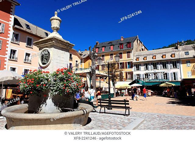 The village of Barcelonnette in the Vallée de L'Ubaye, Alpes de Haute Provence, Provence-Alpes-Côte d'Azur, France